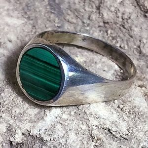 7 Vintage Dainty Malachite Sterling Silver Ring